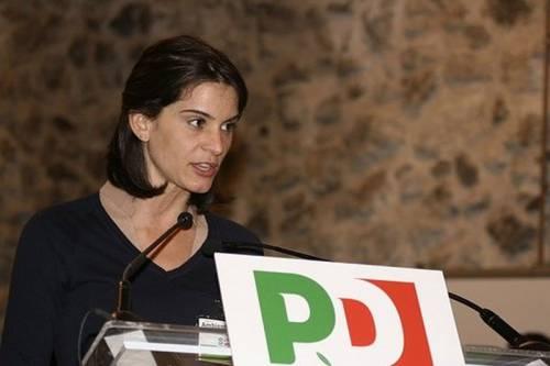 Sms per far votare la fidanzata: Franceschini linciato da Grillo
