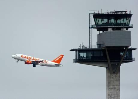 Si rompe finestrino in volo: atterraggio di emergenza a Malpensa