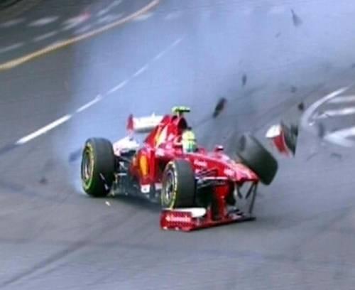 La Rossa è nera: schianto e flop Massa sbatte e Alonso va piano