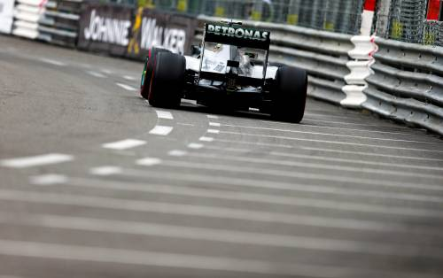 F1, polemiche a Montecarlo Test Pirelli con Mercedes