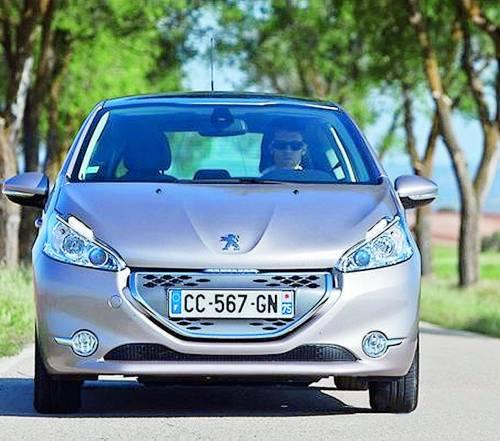 Peugeot 208, risparmio e divertimento