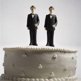 Gli omosessuali sono già liberi: il matrimonio è un rito arcaico