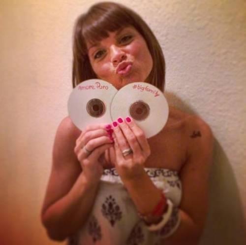 Tiziano Ferro produce il cd della AmorosoIn uscita a settembre