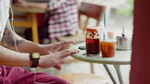 Samsung vuol beffare Apple: a settembre uno smartwatch?