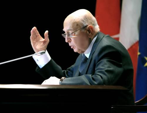 """Napolitano sferza il governo: """"L'Italia sia fondata sul lavoro"""""""
