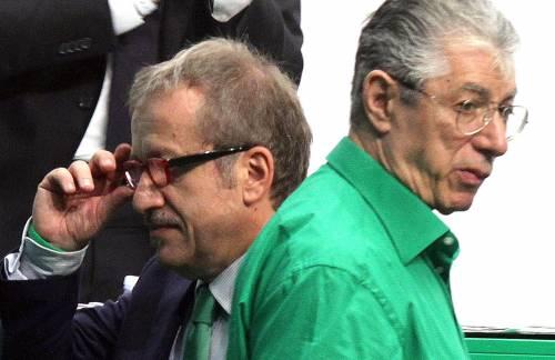 """Lega, Bossi: """"Voglio riprendermela"""". E Maroni: """"Via se non è d'accordo"""""""