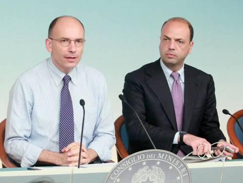 """Il Pd alza il tiro: """"Voteremo la decadenza"""". Il Pdl: """"Se il Cav decade, Letta va a casa"""""""