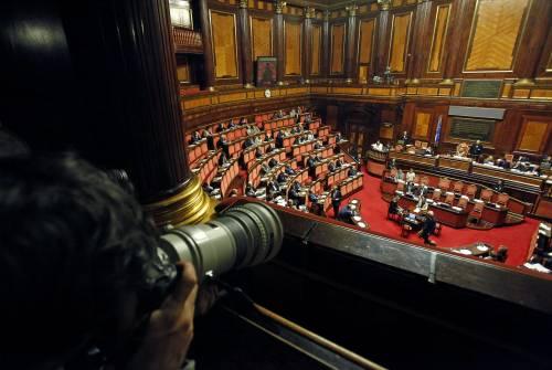 Tra Forza Italia e Pd sfida all'ultimo voto: sono divisi dallo 0,4%