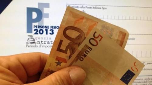 Tasse, ogni italiano paga 12mila euro l'anno