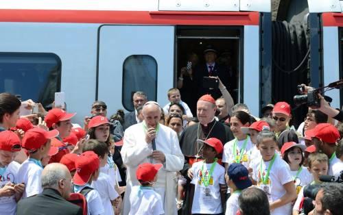 """L'""""esercito"""" del Papa: in piazza un italiano su 4"""