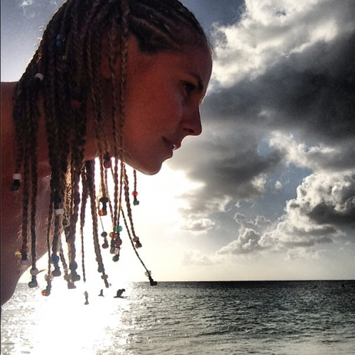 Heidi klum al mare mostra entrambi i lati 2