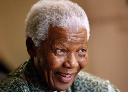 Mandela torna a casa