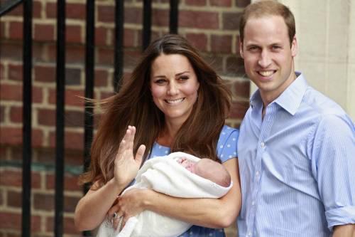 William e Kate donano  la colazione ai fan  appostati in ospedale