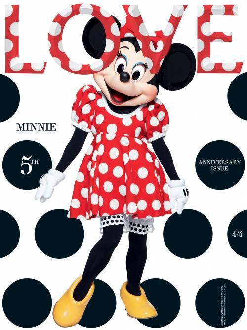 Minnie si veste alla moda per LOVE