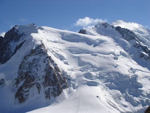"""La denuncia delle guide alpine italiane: """"La Francia ruba un pezzo del Monte Bianco"""""""