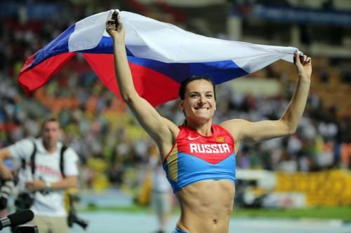 """Yelena Isinbayeva si ritira con polemica: """"Dio vi giudicherà"""""""