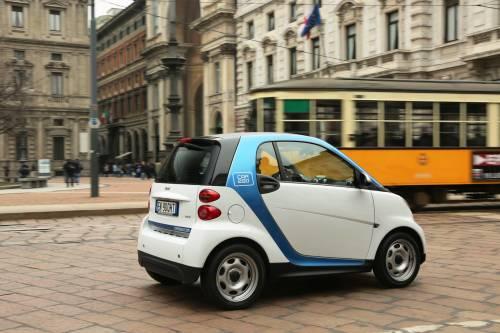 Car2go farà pagare la sosta in periferia. Polemiche a Milano