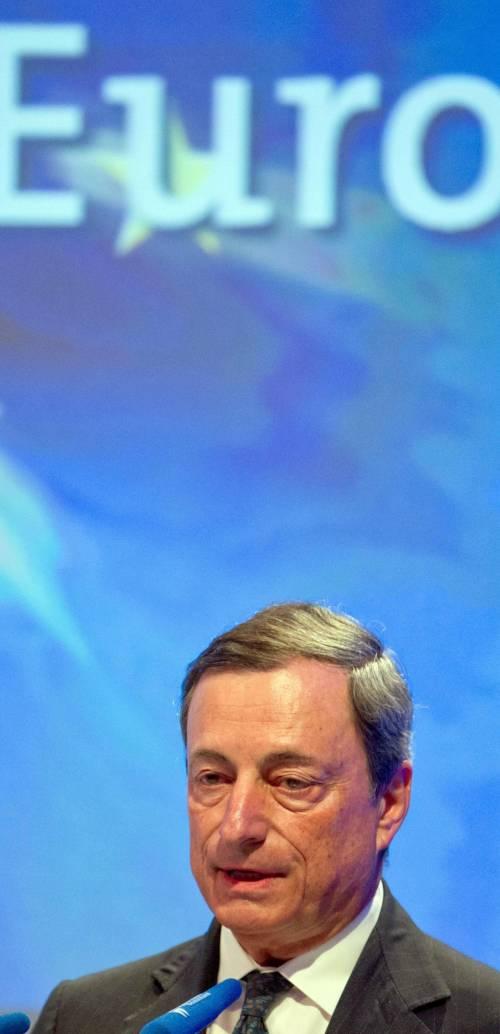 Draghi: «Tagliare i tassi è possibile»