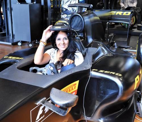 Tutti piloti di F1 (ma allo store Pirelli)Allestito un simulatore in corso Venezia