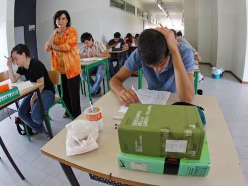 Decreto scuola, sì del governo: assunzioni e libri meno costosi