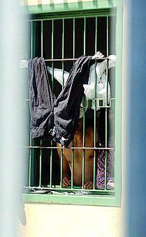 Arrestati 9 clandestini per il rogo in via Corelli