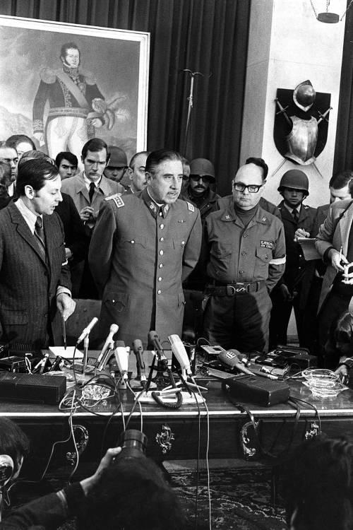 La gaffe della grillina: il generale Pinochet diventa Pino Chet...