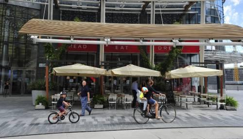 Il centro si colora di Red: apre la libreria-ristorante