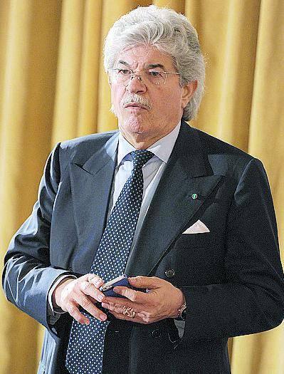 """Razzi: """"Se me lo chiedesse Berlusconi, mi butterei anche sotto al treno"""""""