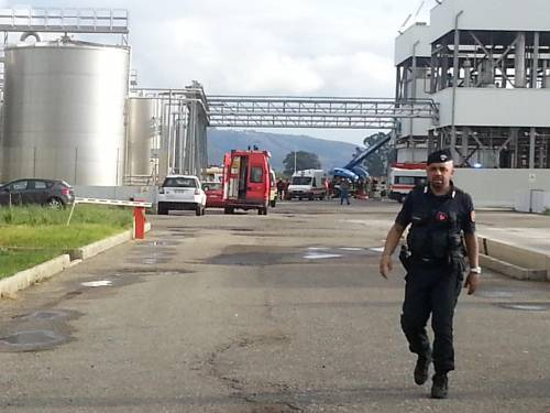 Lamezia, morto il terzo operaio colpito dall'esplosione di un silo