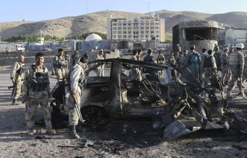 Afghanistan, kamikaze contro il consolato Usa: morti gli assalitori