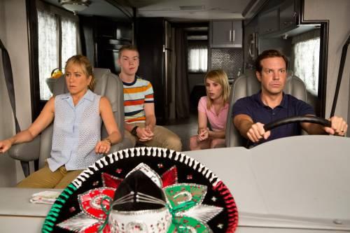 """Il film del weekend: """"Come ti spaccio la famiglia"""""""