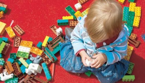 Gli oggetti ingoiati dai bimbi ora diventano un'opera d'arte