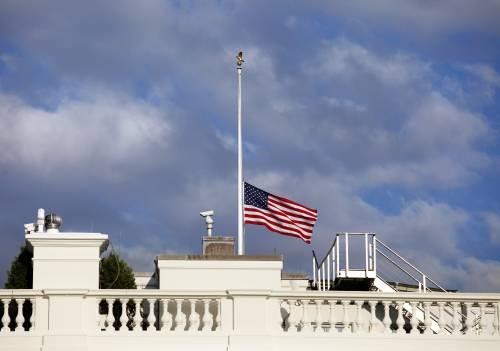 """Usa, 13 vittime alla sede della marina. """"Il killer ha agito solo"""""""