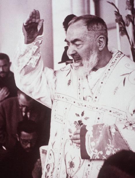 Padre Pio,l'ultimo sospetto. Con il Giornale tutta la verità sul padre con le stimmate