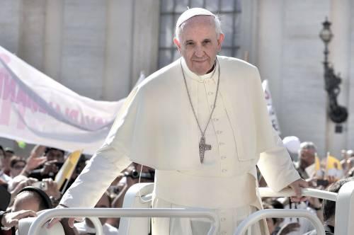 """Il Papa: """"Non possiamo insistere solo su aborto e gay"""""""