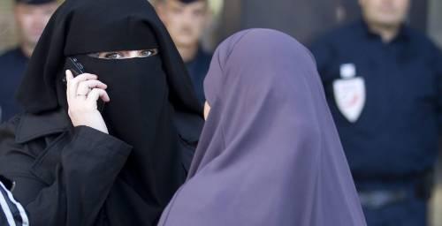 Londra, divieto al velo islamico in ospedale