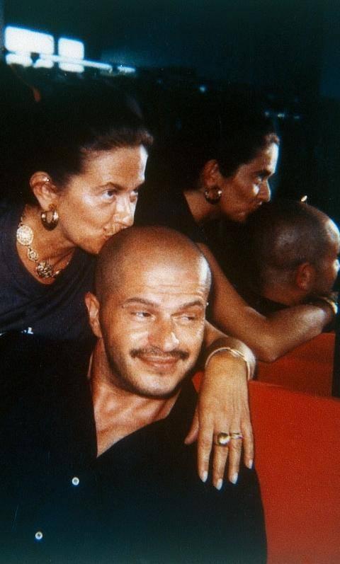 E Moschino compie 30 anni con 80 modelle
