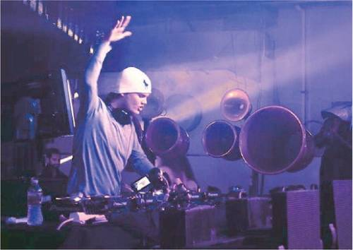 Una notte con Avicii, il deejay rockstar che vola in classifica