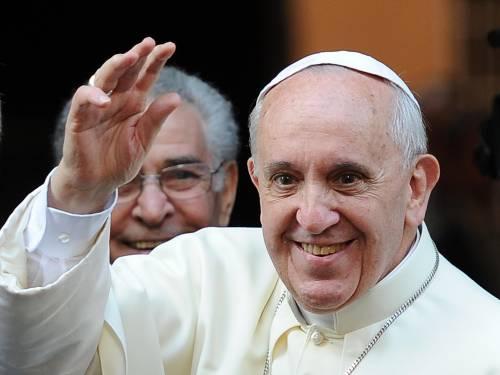 """Papa Francesco in Sardegna incontra i disoccupati: """"Dare lavoro per dare dignità"""""""