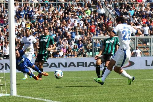 L'Inter schianta il Sassuolo: 7-0. Rientro (con doppietta) di Milito