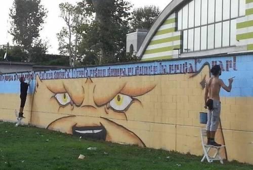 Gli anti-graffiti sfidano i Navigli: oltre 1.500 scritte e tag da ripulire