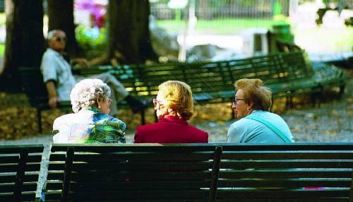 Siamo sempre più longevi: dieci anni in più in 30 anni