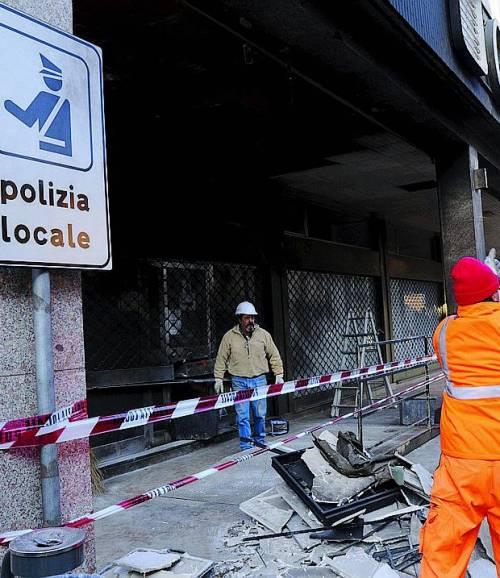 PADERNO DUGNANOBombe molotov contro la sede dei vigili urbani