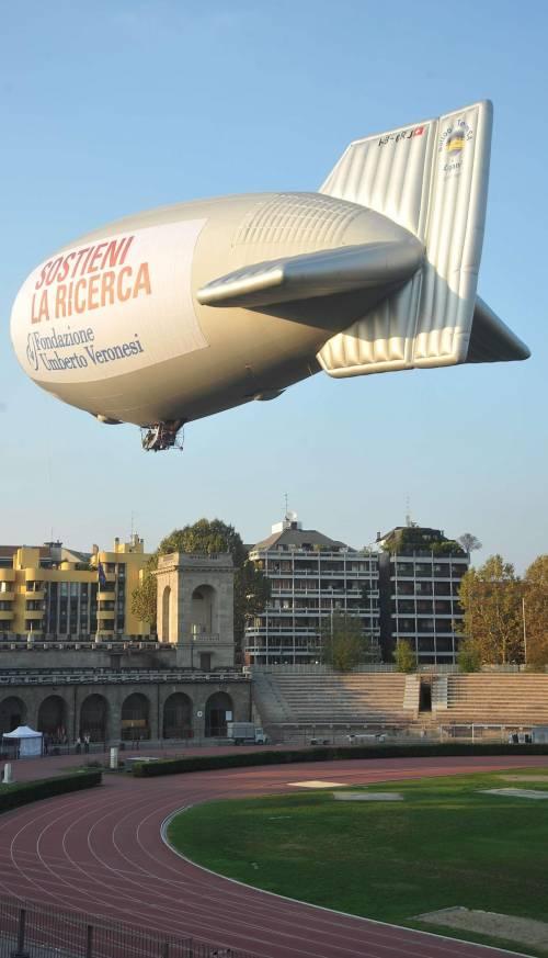 Paura e voli dirottati Un dirigibile  tiene in ansia la città