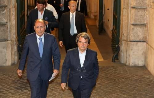"""In Forza Italia ha vinto la linea dura: """"Se il Cav cade, ci dimettiamo"""""""