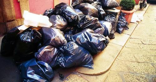 Caos di regole e moduli I rifiuti sono un rebus (anche per il Comune)