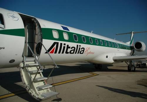 Con Alitalia e Poste le larghe intese s'alleano coi poteri forti