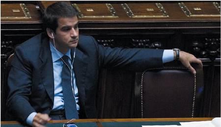 Puglia, Fitto vola nei sondaggi Ma il Carroccio non lo vuole