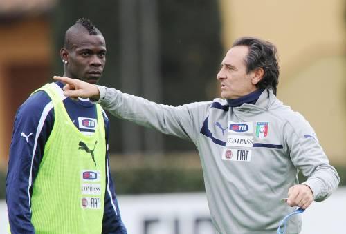 Il ct della nazionale Cesare Prandelli con Mario Balotelli