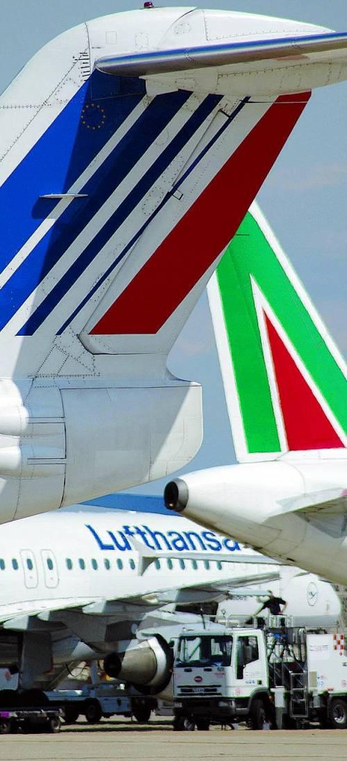 """Letta ad Alitalia: """"I soci mettano i soldi"""""""